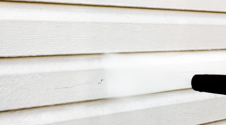 Cleaning Your Vinyl Siding - Thompson Creek