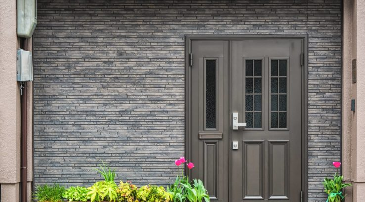 Can You Paint a Fiberglass Door?