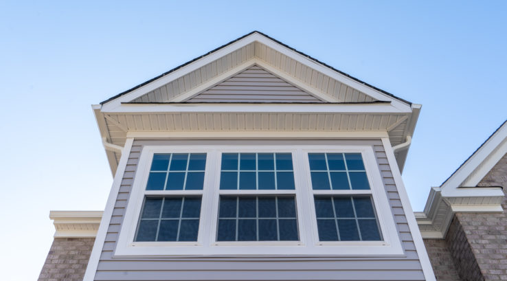 Why Vinyl Windows Are Best for the Heat