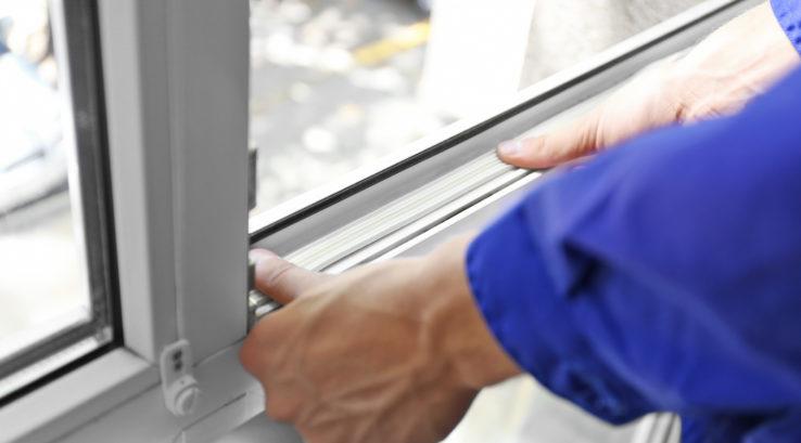 When Do I Need to Upgrade My Builder-Grade Windows?